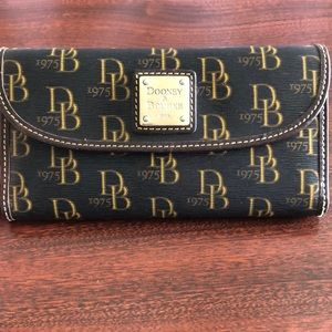 Dooney & Bourke 1975 Signature Wallet